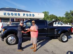 Many thanks and congrats to Adrain Norris on the purchase of his new Ford F40 Platinum. #FordFamily #allsmiles #YoureGonnaLoveIt #TeamKoons #Ford #fordsuperduty #F450 #dually #KoonsFord #koonsfordannapolis #Annapolis #handshake