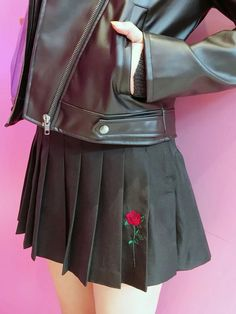 WEGO/ローズ刺繍プリーツミニスカート(ブラック)