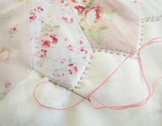 Pretty by Hand - quilting !