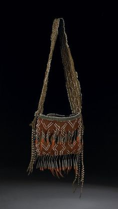Rectangular flat pouch or bag, with strap, fingerwoven of wool. The flat bag is… Woodland Indians, Finger Weaving, Green Wool, Black Wool, Metal Comb, Pouch Bag, Pouches, Native American Art, White Beads