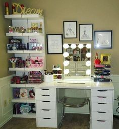 Elegant Makeup Room Checklist & Idea Guide for the best ideas in Beauty Room decor for your makeup vanity and makeup collection. Rangement Makeup, Vanity Room, Ikea Vanity, Mirror Vanity, Furniture Vanity, Diy Vanity, Vanity Decor, Vanity Set, Glam Room