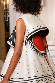The complete Schiaparelli Spring 2018 Couture fashion show now on Vogue Runway. Fashion 2018, Fashion Week, Fashion Art, Editorial Fashion, High Fashion, Fashion Show, Womens Fashion, Fashion Design, Latest Fashion