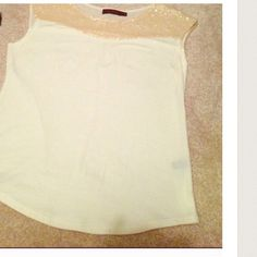 Creamy dressy top size S With a nice glittering detail. H&M creme top NEW size S. H&M Tops