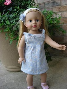 Includes link to the free pattern to make this dress. Love the colors she chose. So simple and sweet!