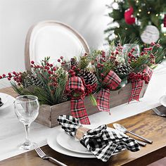 Your dining room table shouldn't have to miss out on the Christmas decoration fun. Make it festive with this Pine and Plaid Bow Crate Centerpiece. Silver Christmas, Plaid Christmas, Christmas Home, Christmas Wreaths, Christmas Crafts, Frugal Christmas, Farmhouse Christmas Decor, Rustic Christmas, Holiday Decor