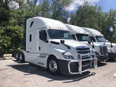 65 Driveaway Business Trucks And Buses Ideas Trucks Vehicles Freightliner