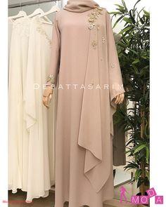 No photo description available. Hijab Dress Party, Hijab Style Dress, Abaya Fashion, Modest Fashion, Fashion Dresses, Muslimah Wedding Dress, Wedding Abaya, Moslem Fashion, Dress Brokat