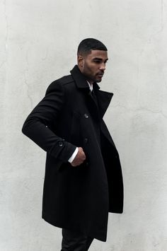 Men in black rule! Men In Black, Black Men In Suits, Black Men Styles, Black Guys, Long Black, Sharp Dressed Man, Well Dressed Men, Mode Masculine, Fashion Moda
