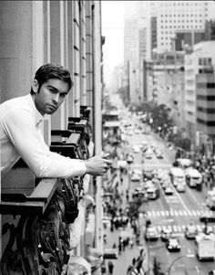 Nate Archibald in the city....can you imagine being on the GG cast and being able to live a lavish life in NYC? Dying.