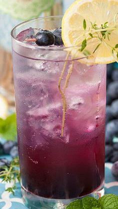 Blueberry-Thyme Gin Smash