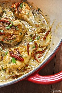 Chicken Thighs in creamy sauce with sundried tomatoes and cheese / Chicken with creamy sun dried tomato sauce Sun Dried Tomato Sauce, Tomato And Cheese, Dried Tomatoes, Mushroom Chicken, Creamy Sauce, Chicken Thighs, Paella, I Foods, Poultry