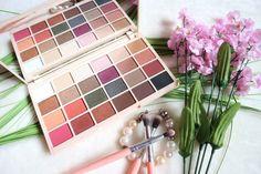 Make Up Revolution - Sophdoesnails Collab - Eyeshadow Palette