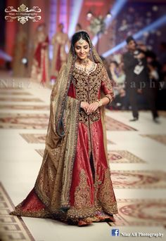 #PakistaniBride #pakistanfashion #bridalweek #bridaldresses #weddingphotgraphy #niazaliphotography