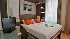 Hotel - 2 bedrooms, $655 for 3 nights Breakfast NOT included - EUR 11 Budget of $750