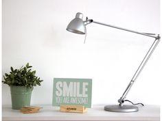 SMILE - Cartel de madera hecho a mano en Barcelona. Inspira tu hogar y dale un toque vintage con tu Woody.