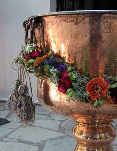 ::Font garland with herbs & seasonal flowers