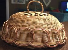 Another view of the lidded fruit basket.