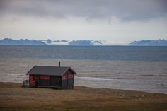 cabinporn: Cabin 800 miles from the North Pole on Isfjorden, Svalbard, Norway. Contributed by Gabor Kovacs.