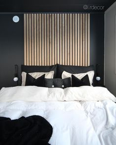 [New] The Best Home Decor (with Pictures) These are the 10 best home decor today. According to home decor experts, the 10 all-time best home decor. White Bedroom, Master Bedroom, Decor Interior Design, Interior Decorating, Hanging Canvas, Soho House, Gallery Wall, Beach House, Minimalist