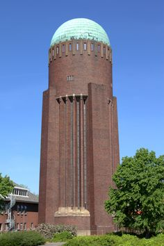 Watertoren Naaldwijk Beautiful Architecture, Art And Architecture, Brick Images, Amsterdam School, Tower Building, Tank I, Interesting Buildings, Construction Design, Water Tower