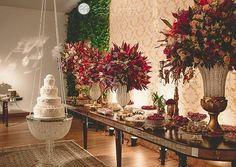 Mais uma inspiração linda de decor.. ❤ . . Foto @carolgoulartretratos . .  #casamento #bolodecasamento #cake #bolo #weddingcake #decor #inspiration #wedding #weddinglove #weddingideas #weddinginspiration #weddingdecor #noivasdobrasil #noiva #bride #bridal #inesquecivelcasamento #noivadoano #love #casamentodossonhos #bridesmaid #lovecake #mesadedoces #instalove #instacake #instalike #instabride #instablog #decorrustica #inesquecivelcasamento #weddingdecor #noivas2017