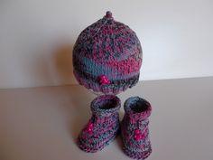 bonnet chaussons bébé en coton très doux multicolore et petit ours fuchsia : Mode Bébé par bebelaine