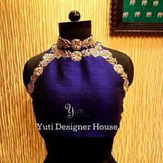 Embroidered halter blouse by YUTI! Blouse with floral design hand embroidery work on neckline. For Price and Other details reach at or Whatsapp: 30 September 2018 Saree Blouse Patterns, Designer Blouse Patterns, Lehenga Blouse, Saree Blouse Designs, Blouse Back Neck Designs, Choli Designs, Dress Designs, House Of Blouse, Work Blouse