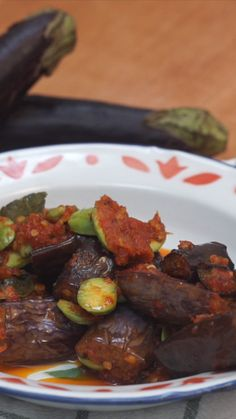 Terong Pete Balado Eggplant Pete Balado is a dish derived from purple eggplant vegetables that are given chili as a marinade and have a unique taste because of the combination of petai fruit which has a very distinctive taste. Healthy Meals For Two, Healthy Crockpot Recipes, Indian Food Recipes, Asian Recipes, Easy Cooking, Cooking Recipes, Sambal Recipe, Malay Food, Eggplant Recipes