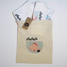 #Pack nacimiento #pez rosa #body #camiseta #babero #infantil #diseño #personalizado @chussbarranco
