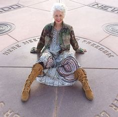 A bit of vintage and a bit of street – a style interview with Sarah-Jane | 40plusstyle.com