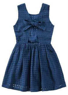 Stylish Dresses For Girls, Dresses Kids Girl, Kids Outfits Girls, Girl Outfits, Kids Frocks Design, Baby Frocks Designs, Baby Girl Frocks, Frocks For Girls, Baby Girl Frock Design