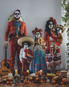 Relatives Halloween costume – all-natural – Matching Family Halloween Costumes, Couples Halloween, Matching Costumes, Halloween Costumes For Kids, Mexican Halloween Costume, Halloween Decorations, Halloween 2020, Baby Halloween, Halloween Makeup