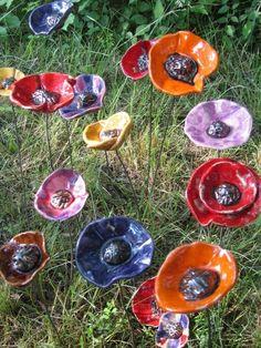 VENDUE décoration de jardin céramique fleur et papillon fuchsia