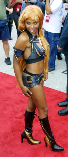 Lil' Kim – August 2001. #neverforget @PerfectedGold don't let me ever see you in something like this x.x