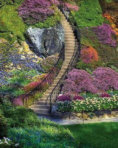 This was a beautiful puzzle...Garden Stairway, a 500 piece jigsaw puzzle by Springbok Puzzles.