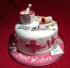 graduation from college pharmacy school cake Doctor Birthday Cake, 60th Birthday Cakes, Happy Birthday, Pharmacy Cake, Pharmacy School, Pretty Cakes, Cute Cakes, Nursing Graduation Cakes, Chess Cake