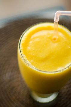 Start your morning with a healthy and vegan ginger turmeric mango smoothie loaded with fresh ginger and turmeric root, orange, banana and mango.