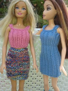 Ravelry: Barbies Autumn Outfits pattern by linda Mary Barbie Knitting Patterns, Knitted Doll Patterns, Knitting Dolls Clothes, Knitted Dolls, Barbie Clothes Patterns, Crochet Barbie Clothes, Clothing Patterns, Barbie Dress, Barbie Doll