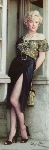 Marilyn Monroe Always thought she looked so ethnic, Italian in this outfit