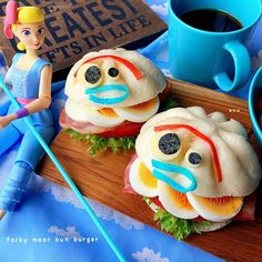 2,804 個讚好,0 則回應 - Instagram 上的 enu(@enu1231):「 こんばんは♫ ⁑  休日のお昼ごパン🍔 市販の肉まんを横半分に切り、 フライパンで底面と内面を軽く焼いてから、 チーズ🧀 レタス🥬 トマト🍅 ベーコン🥓 茹で卵🥚 マヨネーズをサンド♫… 」 Meat Bun, Mini Burgers, Watermelon, Fruit, Desserts, Chara, Kawaii, Food, Instagram