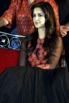 Angel 👼 of India 🇮🇳 is luv 💕by 😘💋💋 Katrina Kaif Hot Pics, Katrina Kaif Images, Katrina Kaif Photo, Indian Celebrities, Bollywood Celebrities, Bollywood Fashion, Bollywood Stars, Beautiful Bollywood Actress, Beautiful Actresses