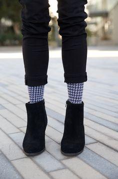 Houndstooth compression socks by Rejuva