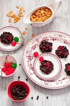 Totally fun, delicious looking Chocolate Cherry Cluster Cookies. #food #cookies #chocolate #Christmas #Cherries #dessert