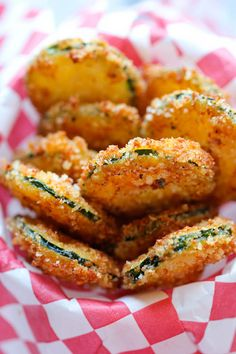 Zucchini Parmesan Crisps - Cant wait to try