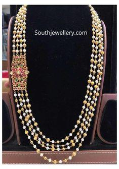 Indian Jewelry Earrings, Bead Jewellery, Gold Jewelry, Beaded Jewelry, Temple Jewellery, Emerald Jewelry, Latest Jewellery, Bead Earrings, Pearl Jewelry