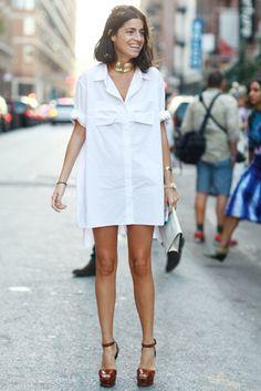 Leandra Medine of Man Repeller - need a classic white shirt dress Leandra Medine, Ny Fashion Week, Look Fashion, Dress Fashion, Classy Fashion, Petite Fashion, Hijab Fashion, Fashion Photo, Korean Fashion