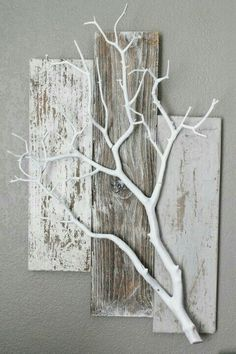 Three Piece Weathered Barn Wood with White Coral Branch Wall Hanging - Deko - . - Three Piece Weathered Barn Wood with White Coral Branch Wall Hanging – Deko – … - Diy Wood Projects, Projects To Try, White Branches, Birch Branches, Diy Holz, Driftwood Art, Hanging Plants, Diy Art, Diy Home Decor