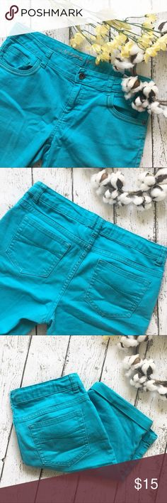 Arizona Denim Teel Bermuda Shorts Arizona Shorts  Condition:  Pre-Owned But In Excellent Condition  Color: Teel Type: 83%Cotton 16% Polyester 1%Spandex  Size:  Girls 14 1/2 Brand:Arizona Arizona Jean Company Bottoms Shorts