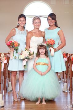 Cute flower girl. Repin by Inweddingdress.com #flowergirl