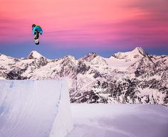 Mario Wagner aka: drifting into a colorful sunset. Snowboarding Photography, Transworld Snowboarding, Summer Vacation Spots, Fun Winter Activities, Sup Surf, Winter Hiking, Lake George, Water Photography, Wakeboarding